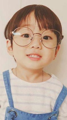 cậu bé này rất là dễ thương hãy cập nhật cho tôi những ảnh như vậy Cute Baby Boy, Cute Little Baby, Little Babies, Baby Kids, Cute Asian Babies, Korean Babies, Asian Kids, Cute White Boys, Cute Boys