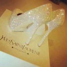 Wedding shoes : white sparkly heels