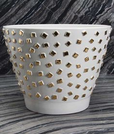KELLY WEARSTLER | CONFETTI BOWL. Ceramic bowl with 22k Gold detailing