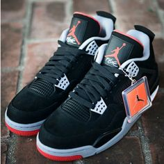 6fed3e81d01 Let the sneakers do the talkin Air Jordan 4 Bred