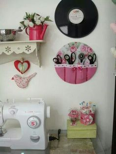 scissors and cutter Holder another great idea for my sewing room! - scissors and cutter Holder another great idea for my sewing room! Sewing Room Storage, Sewing Room Decor, Sewing Room Organization, My Sewing Room, Craft Room Storage, Sewing Rooms, Record Crafts, Cd Crafts, Space Crafts
