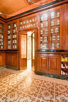 Pharmacy - Vigevano,Pavia - Renovation respecting the original project - Dotti Interior Decoration