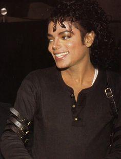 Michael Jackson - gorgeous smile here