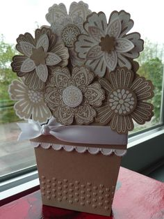 pretty!  I like the kraft paper with the white accents, almost reminds me of cookies!