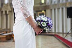 #kwiatownia #bouquet #bridal #bride #bridesmaid #slub #wesele #bridalbouquet #flowers #flowerinspirations #inspirations #weedingday #floral #art #design fot.Fotobueno Weeding, Bouquets, One Shoulder Wedding Dress, Bridesmaid, Bridal, Wedding Dresses, Floral, Flowers, Design