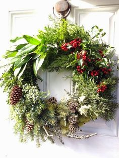 Christmas wreath Your cozy home via Nat and Nature
