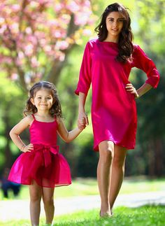 Pinterest : @fxknthugglife Mother Daughter Fashion, Mom Daughter, Mom Dress, Baby Dress, Mommy And Me Outfits, Kids Outfits, Cute Dresses, Girls Dresses, Matches Fashion