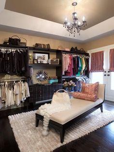 closet room idea. Forget the lightening idea, the closet alone is the bomb!