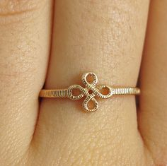 Modern Jewelry Clover Ring Dainty Ring Clovers Eternity Band Rose Gold Ring Simple Jewlery Minimalist Ring Stackable Ring