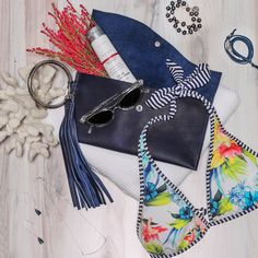 this clutch is the perfect accessory for a beach p[arty or fun evening out! Several colors available Custom Earrings, Leather Accessories, Silver Necklaces, Bracelet Making, Looking For Women, Women Empowerment, Handcrafted Jewelry, Gemstone Jewelry, Im Not Perfect