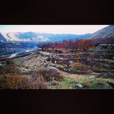 انا ب اامن ب لبنان#livelovebeirut #lebaneseandproud Landscape Photography, Landscapes, Mountains, Nature, Instagram Posts, Travel, Paisajes, Scenery, Viajes