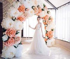 Wedding Arch Flowers, Spring Wedding Flowers, Wedding Designs, Wedding Styles, Wedding Photo Walls, Youtube Wedding, Floral Backdrop, Giant Paper Flowers, Diy Wedding Decorations