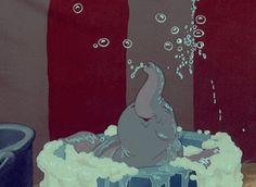 disney movies Disney Movie Moments That Would Make a Germaphobe Cringe Dumbo Directors - Samuel Armstrong, Norman Ferguson, Wilfred Jackson; Disney Pixar, Disney Animation, Disney Amor, Walt Disney, Cute Disney, Disney And Dreamworks, Disney Magic, Disney Characters, Dumbo Disney