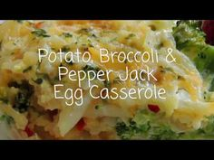 Egg and Hash Brown Potato Casserole Breakfast Items, Breakfast For Dinner, Breakfast Dishes, Breakfast Recipes, Breakfast Egg Casserole, Brunch Casserole, Casserole Recipes, Potato Casserole, Egg Recipes