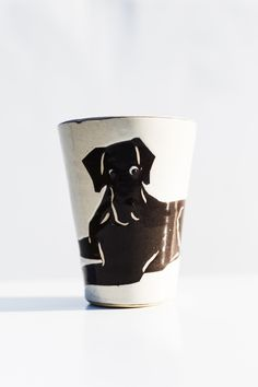 A handpainted mug called Mutmug. This is the Great Dane. These mugs comes with many different kind of dog-types as motifs. Kinds Of Dogs, Types Of Dogs, Hand Painted, Dog Types