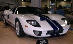 Ford GT - modernizing a classic like the race cars was nothing new, but it just made perfect sense for Ford to celebrate their centennial milestone with something like the Ford GT Ford Gt40, Ford Mustang, Mustang Gt500, Shelby Mustang, Ford Shelby, Super Sport Cars, Super Cars, List Of Luxury Cars, Sports Car Wallpaper