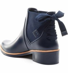 Bernardo Footwear Paige Rain Boot - very cute! Cute Rain Boots, Cute Shoes, Me Too Shoes, Hunter Boots Outfit, Shoe Boots, Shoe Bag, Pull On Boots, Dream Shoes, Riding Boots