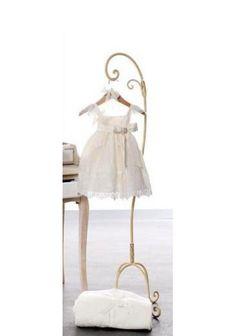 Cabide de chão para vestidos infantil
