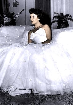 Elizabeth Taylor in A Place in the Sun.    Costumes by Edith Head, oscar 1951 Best Costume Design, Black-and-White.