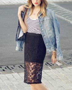 #FashionBySIMAN & Our Favorite Style: Las faldas con transparencias siguen siendo tendencia y las puedes encontrar en el área Contempo de Almacenes SIMAN. Agrega un toque casual usándolas con un top de rayas y chaqueta denim.