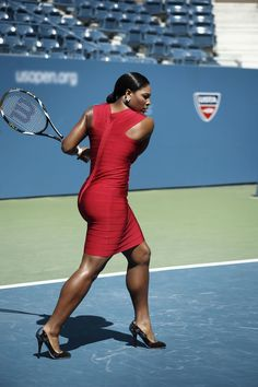 The swinging sisters of tennis, Serena and Venus Williams, raise the stakes of style on the court. Afro Punk, House Of Pain, Venus And Serena Williams, Serena Williams Workout, Look Body, Cult Of Personality, Body Issues, Rafael Nadal, Maria Sharapova