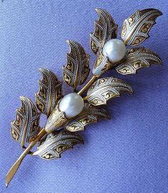 Vintage Tall DAMASCENE Pearl Enamel Floral Brooch