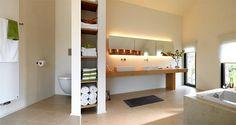Badezimmer - weiß+Holz - Aufsatzwaschbecken, gemauerte Ablage
