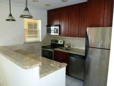 1120 NE 9 Av, #23 Fort Lauderdale, FL 33304 Kitchen #realmiamibeach #lakeridge #fortlauderdale #rentals