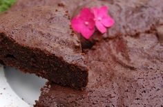 Gâteau très chocolaté, à la purée de noisettes - sans beurre et à IG bas - KiyaKuisine