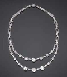 AN IMPORTANT ART DECO DIAMOND AND PLATINUM NECKLACE, BY CARTIER, circa 1930