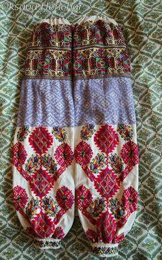 Ukrainian vyshyvanka from Bukovina Embroidered Blouse, Embroidery Dress, Boho Shorts, Folk Art, Womens Fashion, Inspiration, Ethnic, Architecture, Sleeves