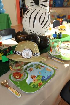 zoo party - love the hat!