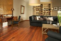 Discover how to find the living room floor that suits your family best. Wood Laminate Flooring, Parquet Flooring, Hardwood Floors, Living Room Flooring, Living Room Interior, Quick Step Flooring, Tapis Design, Style Lounge, Deco Design