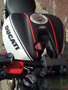 Mono - i love it - Ducati Monster 620, Ducati Monster Custom, Ducati Diavel, Ducati Scrambler, Custom Bobber, Custom Bikes, Indian Scout Bike, Ducati Cafe Racer, Honda