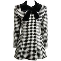 Preowned Angelo Tarlazzi Double Breasted Black And White Harlequin... ($1,580) ❤ liked on Polyvore featuring outerwear, coats, white, retro coat, black white coat, checkered coat, white double breasted coat and checked coat