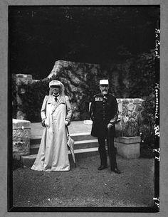 Carol I şi Elisabeta la Peleş. Queen Elizabeth, Royals, King, History, Historia, Royalty