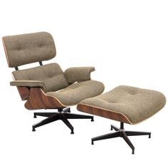 Eames Style Lounge Chair And Ottoman Oatmeal Wool Palisander Wood - Designdistrict Hotel Lounge, Office Lounge, Lounge Decor, Beach Lounge, Eames Style Lounge Chair, Rocking Chairs, Blue Lounge, Airport Lounge, Lounge Outfit
