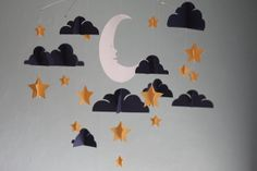 Moon and Stars Paper Mobile  Gold por HushHoneyCollective en Etsy, $85.00