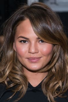 10 Shoulder-Length Hairstyles We Love   Daily Makeover
