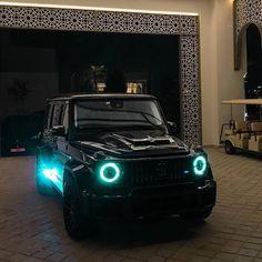 """Mercedes Fan Page on Instagram: """"800 😍🔥 - #MBGClass_Fan l @hkcarsph"""" Mercedes Jeep, Mercedes Benz G Class, Mercedes Maybach, Mercedes Benz Amg, Taxi, Rich Cars, Bentley Continental Gt Speed, Fast Sports Cars, Jeep 4x4"""