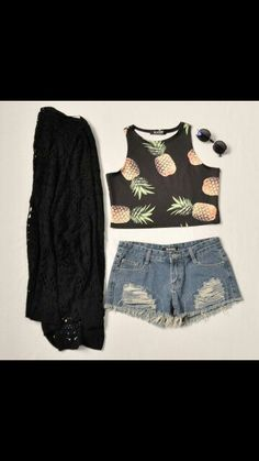 Cute daily outfit with pineapples