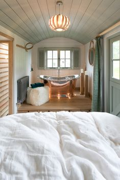 Overlooking the Bath Little House, Cabin Interiors, Small Spaces, Home, Shepherds Hut, Blackdown Shepherd Huts, Little Houses, Tiny House Living, Home Decor
