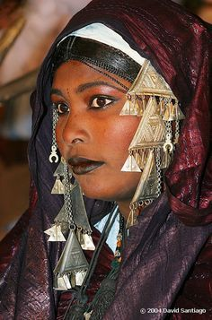 Africa | Young woman of Tuareg tribe in traditional clothing ...