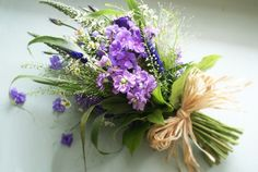 TsNatural garden bridal  bouquet | ... country weddings. Tie bouquets with raffia for a rustic garden effect