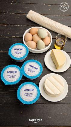 PLACINTA CU IAURT GRECESC SI BRANZA SARATA | Diva in bucatarie Smoky Eye, Picnic, Eggs, Cookies, Breakfast, Food, Greece, Yogurt, Food And Drinks