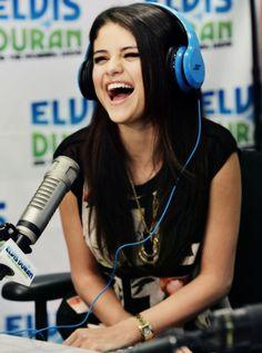 Selena Gomez ~ so pretty👩 Alex Russo, Selena Gomez Pictures, Selena Gomez Style, Beautiful Smile, Beautiful People, Dead Gorgeous, Beautiful Women, Divas, Marcus Butler