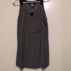 Tank blouse- Like new! Tank top blouse with key hole Studio 1940 Tops Blouses