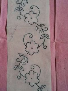 Hand Embroidery Patterns Flowers, Border Embroidery Designs, Hand Embroidery Stitches, Machine Embroidery, Creative Embroidery, Brazilian Embroidery, Fabric Painting, Instagram, Easy Flower Drawings