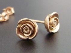 Love these earrings. Gold + roses = my favorite.