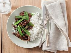 Beef with Snow Peas recipe from Ree Drummond via Food Network. AMAZINGLY delicious, fast and easy. Super simple and yet probably the best Asian dish I've made. Pea Recipes, Asian Recipes, Dinner Recipes, Cooking Recipes, Healthy Recipes, Ethnic Recipes, Oriental Recipes, Healthy Dinners, Easy Dinners